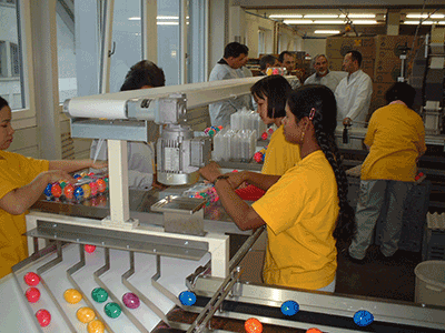 Bande de travail pour l'emballage d'oeufs